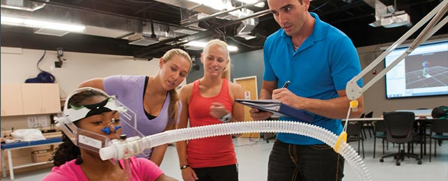 Exercise and Sport Science students in lab